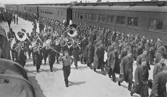 U.S. Army enlistees arriving at Camp Livingston, Louisiana, by train